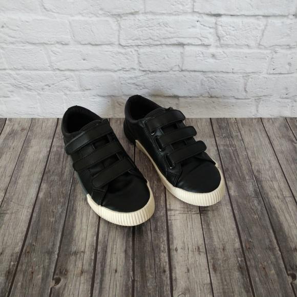 Boys/' Wilson Triple Strap Sneakers Cat /& Jack Various Sizes Black